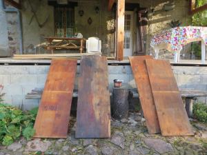 Zelfs de planken die als zolder gebruikt worden, zijn ingesmeerd