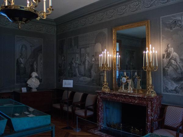 Een ingerichte kamer uit die tijd