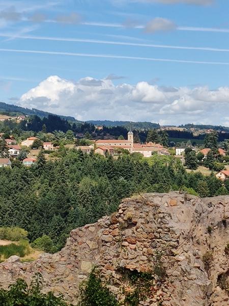Uitzicht vanuit Saint-Haon-le-Châtel