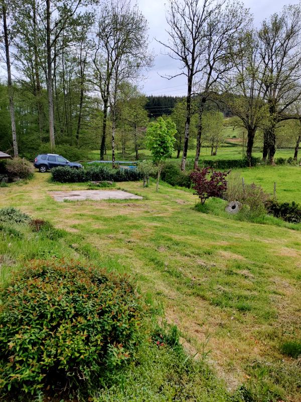 De buurman had het gras gemaaid